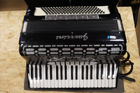 Guerrini 120 bas, 5 korig accordeon (Occasion)