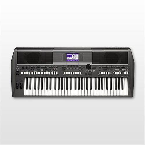 Yamaha S670 keyboard